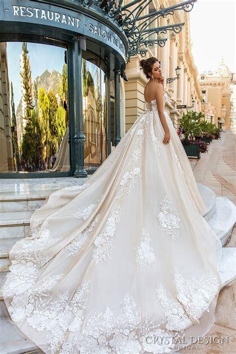 25  best ideas about Wedding dress train on Pinterest
