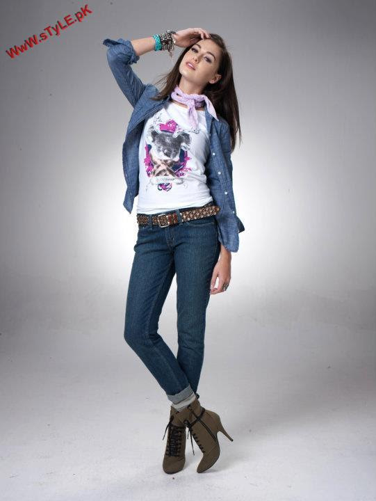 Denizen Winter Collection For Women By Levis 2012 001