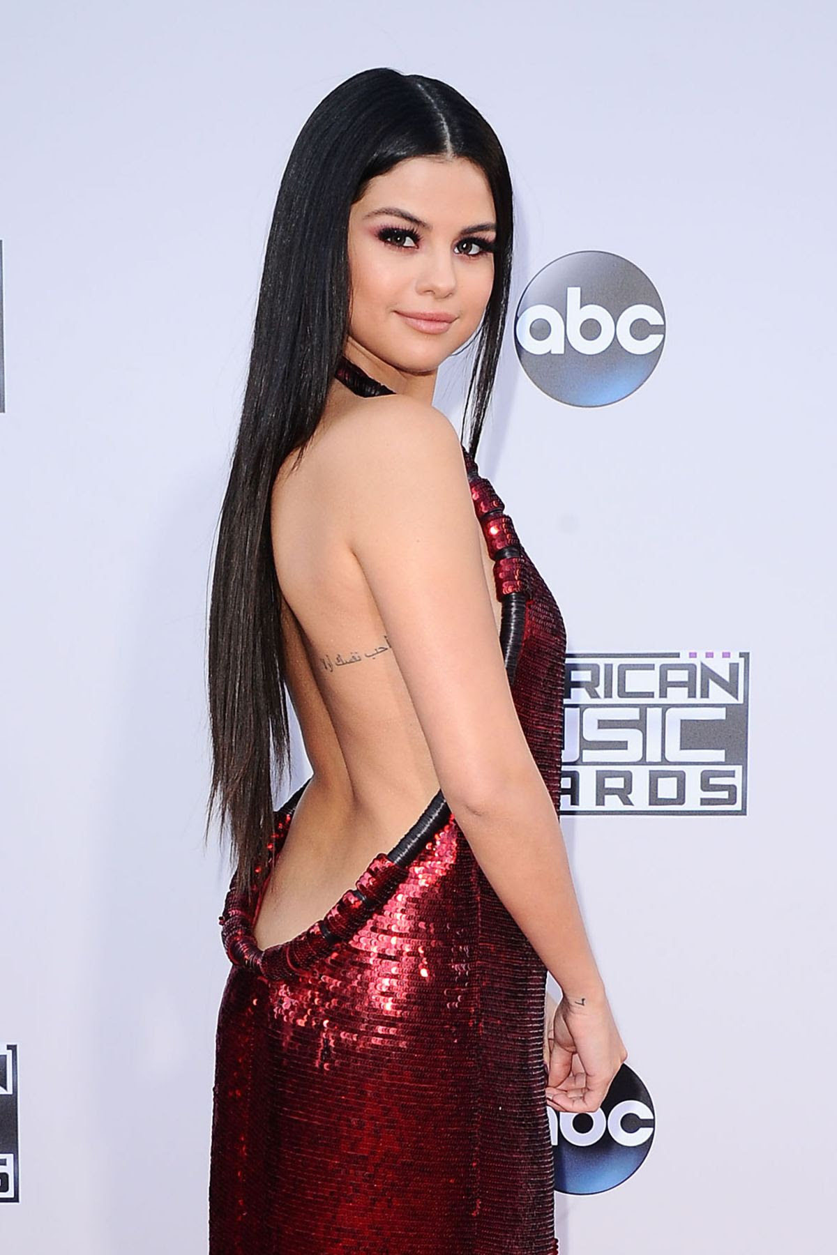 SELENA GOMEZ at 2015 American Music Awards in Los Angeles 11/22/2015