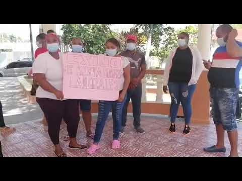 Cabral Barahona:- Ex empleados de Educación reclaman pago de sus prestaciones laborales