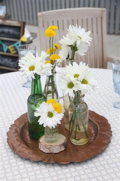 25  best ideas about Daisy centerpieces on Pinterest