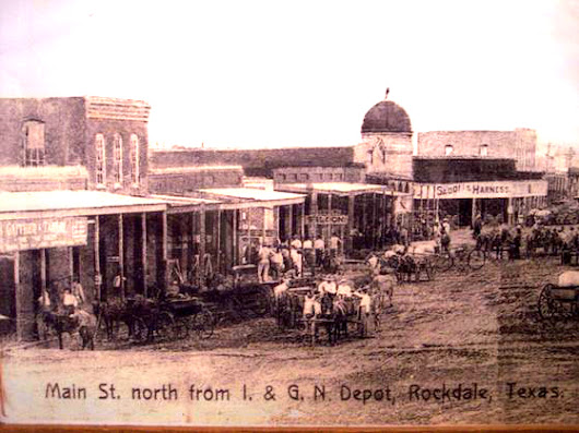 Ten Tall Texans Display at the Rockdale Depot Museum.</H1>