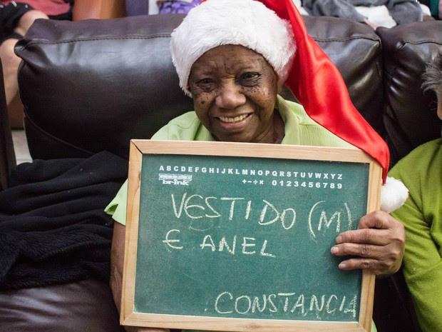 Idosa Constancia pediu por um vestido tamanho M e um anel (Foto: Leticia Luchesi/Arquivo Pessoal)