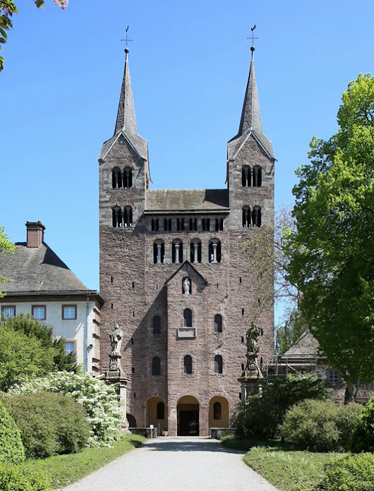 A Gatehouse and Westwork in the Romanesque architecture of Germany  – Guest post by Jong-Soung Kimm