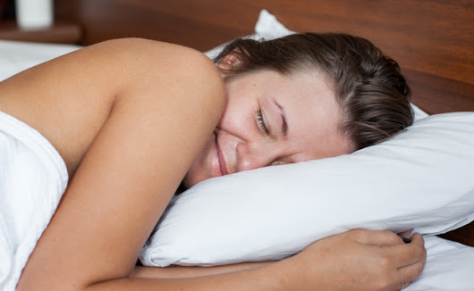 6 Reasons You Should Sleep Naked! | Care2 Healthy Living