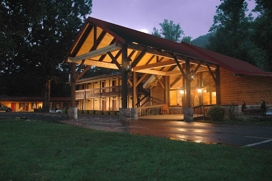 Maggie Valley NC Hotels - Smoky Falls Lodge In The Great Smoky Mountains
