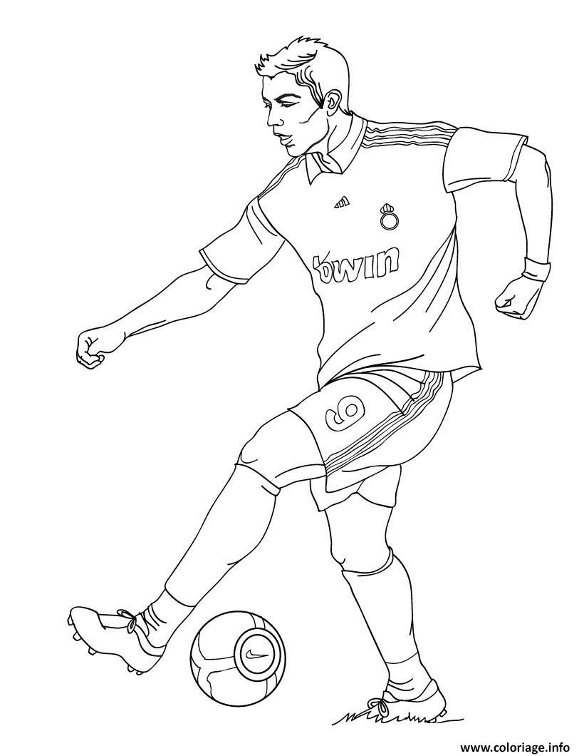 Coloriage Cristiano Ronaldo Joueur De Foot Real Madrid Dessin  Imprimer