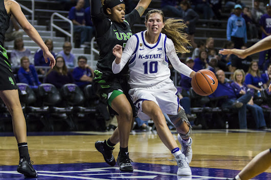 Women's basketball gets offense moving, rolls past Mean Green | The Collegian
