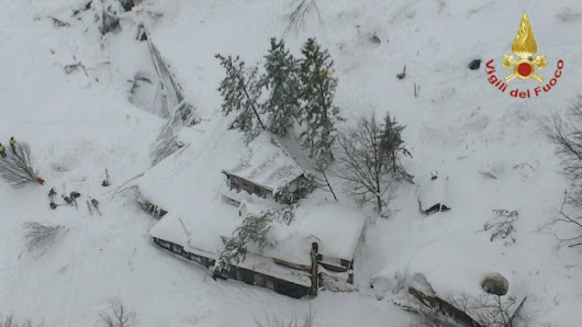 30 missing after avalanche buries hotel in Italy
