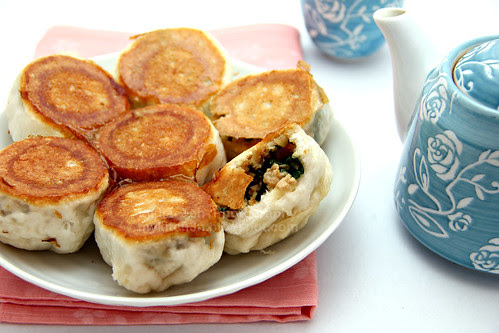 Pan-fried Bun (水煎包)