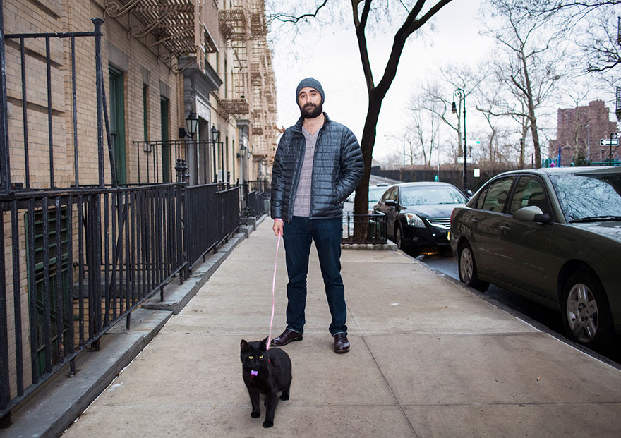 http://www.boredpanda.com/men-and-cats-photography-david-williams/