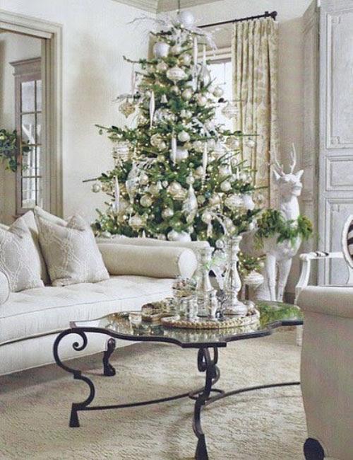 Vintage-Christmas-Tree-Decorating-Ideas-19