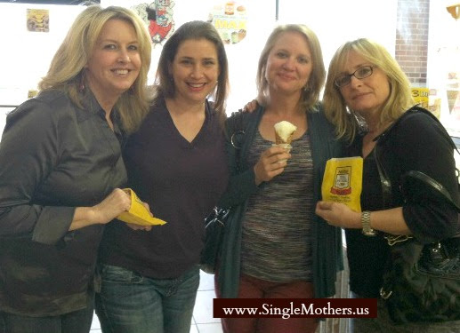 Do You Need a Single Parent Support Group? • Singlemothers.us