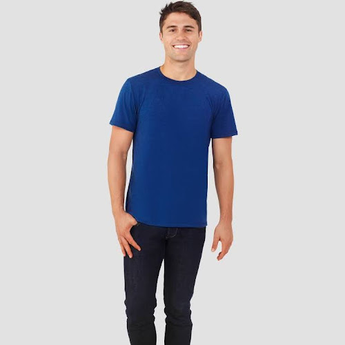 a12ed42ec Fruit of The Loom Select Men s Everlight Short Sleeve T-Shirt - Blue  Heather L