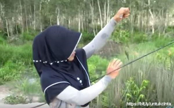 Pantun Gadis Ayu Dari Kampung Melayu