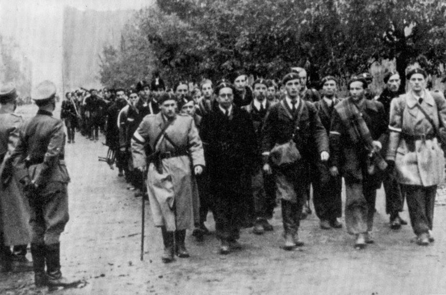 http://upload.wikimedia.org/wikipedia/commons/c/c3/Warsaw_Uprising_Surrender-_5_of_October_1944.jpg