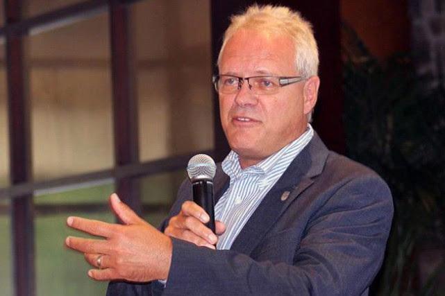 Yves Sylvain a perdu son poste de sous-ministre... (Photofournie par la Commission Scolaire Marguerite-Bourgeoys)