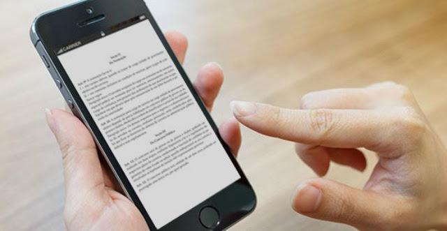 Apostilas e questões de provas fazem parte do material disponível no aplicativo para concurso. Foto: Internet