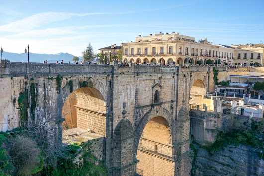 The Beautiful Spanish Town of Ronda - Migrating Miss