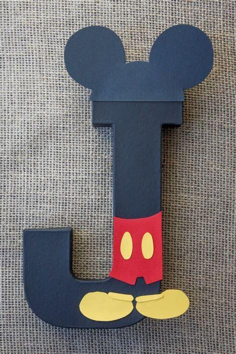 Best 25  Mickey minnie centerpieces ideas on Pinterest