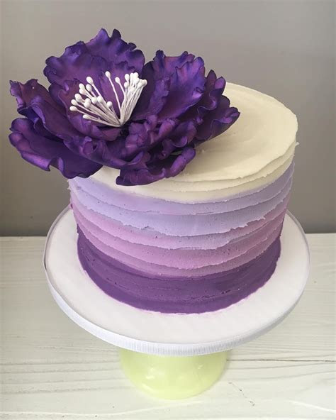 Ombré buttercream lines love this purple! #purple #ombre
