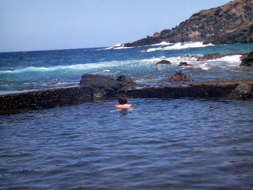 Pantelleria: Grazia nella vasca della Grotta di Sataria