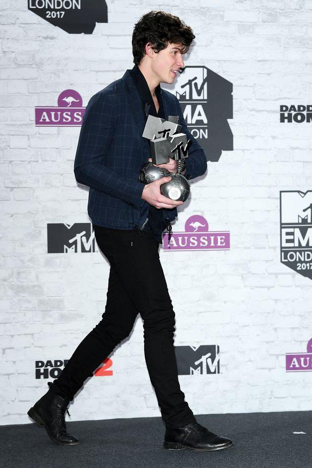 MTV-EMAs-2017-Winners-Room.jpg