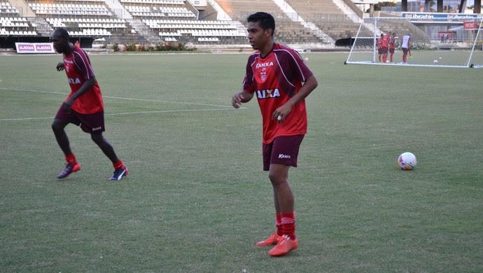 Bocão, lateral do CRB (Foto: Jota Rufino / GloboEsporte.com)