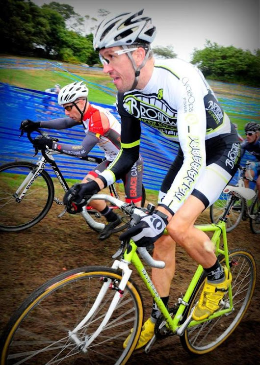 Cyclocross straddles the line between speed and pain - The Boston Globe
