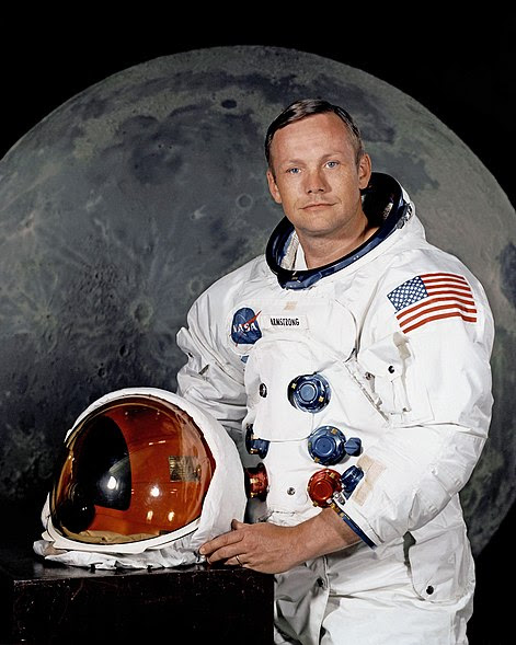 File:Neil Armstrong pose.jpg