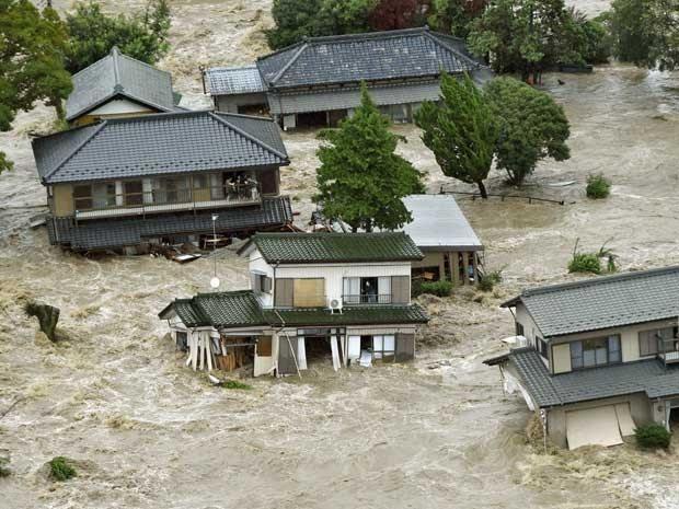 MUNDO: Tufão Etau leva inundações ao Japão e deixa uma pessoa desaparecida