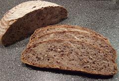 NYT No Knead Bread met walnoten