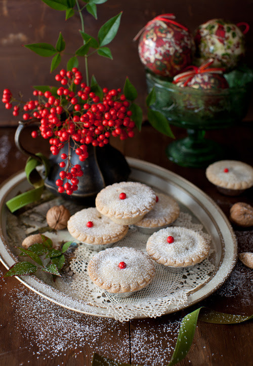 melangery:  (via Whisky-Laced Mince Tarts - Holiday Tradition)