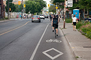 English: Bike lane on Harbord Street, Toronto,...