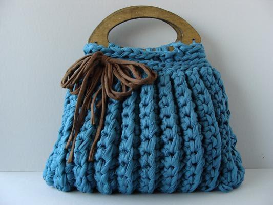Patrones con trapillo 17 bolso con efecto surcos - Como hacer un bolso de trapillo ...