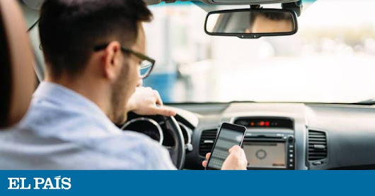 Traffic in Spain: Using cellphone behind the wheel will carry heavier fines in Spain | In English | EL PAÍS