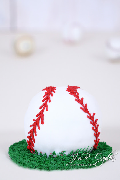 Baseball Themed Cake Smash - Bangor Maine