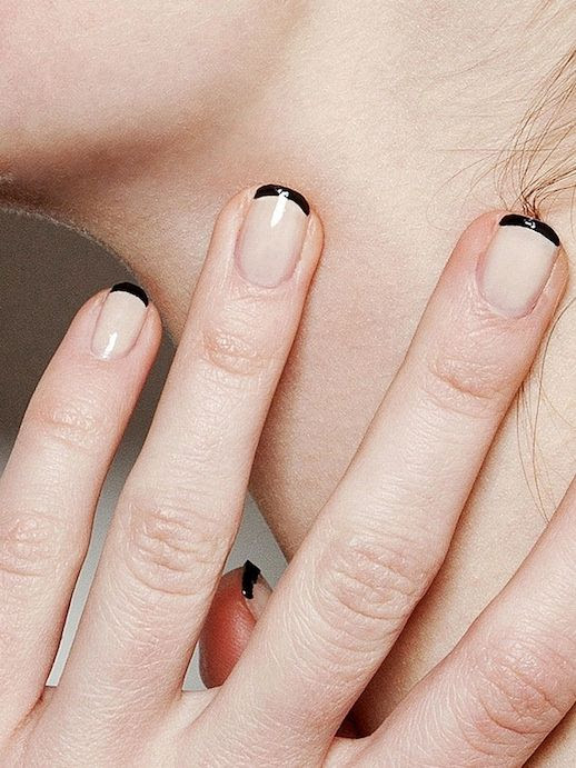 LE FASHION BLOG TWO WAYS BLACK AND NUDE NAILS BLACK TIP FRENCH MANICURE THAKOON BACKSTAGE BEAUTY EASY NAIL ART INSPIRATION 2 photo LEFASHIONBLOGTWOWAYSBLACKANDNUDENAILS2.jpg