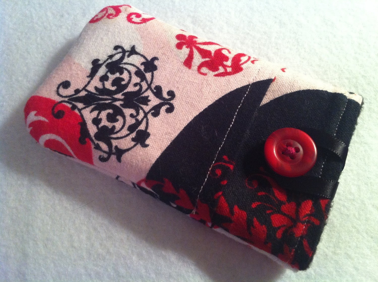 iPhone/iPod Sleeve Be My Valentine in Black READY TO SHIP