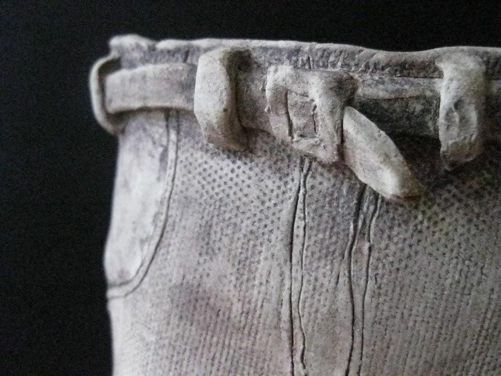Topless ceramic sculpture - Uturn