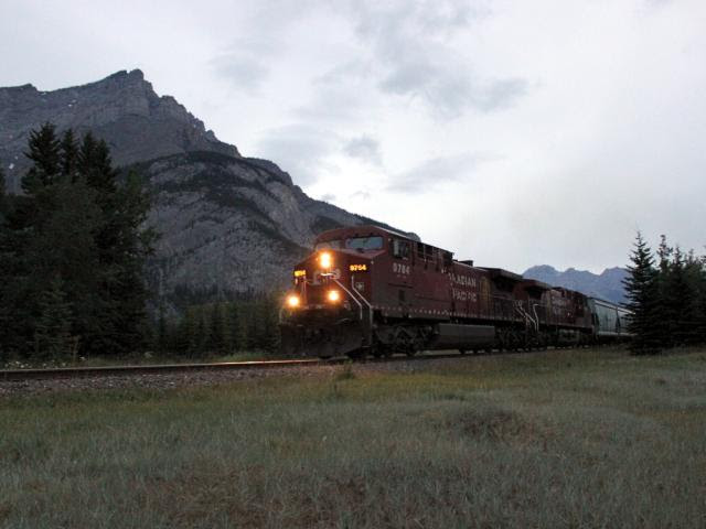 CP 9764 West in Banff