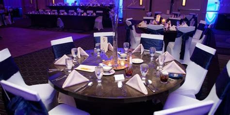 Holiday Inn South County Center Weddings   Get Prices for