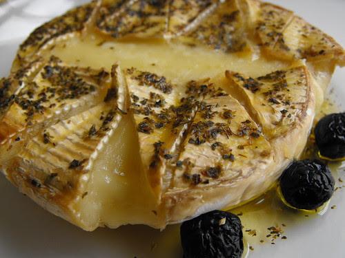 Queijo camembert gratinado