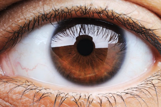 6 Things Your Eye Color Might Reveal About Your Health and Personality