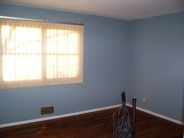 Anyone have pictures of rooms that are painted light blue???