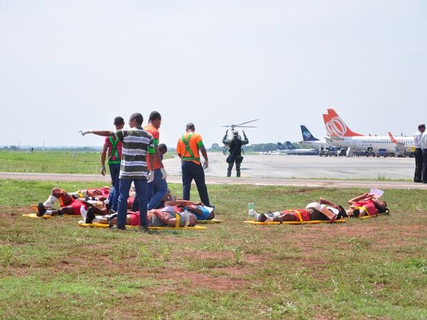 Exercício simulava o acidente de um Boeing 737 com aproximadamente 100 passageiros (Foto: André Ferreira/ G1)