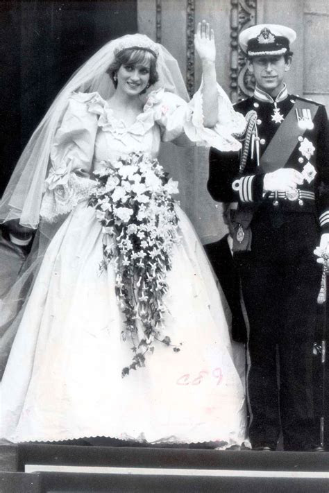 Princess Diana?s wedding dress secrets revealed