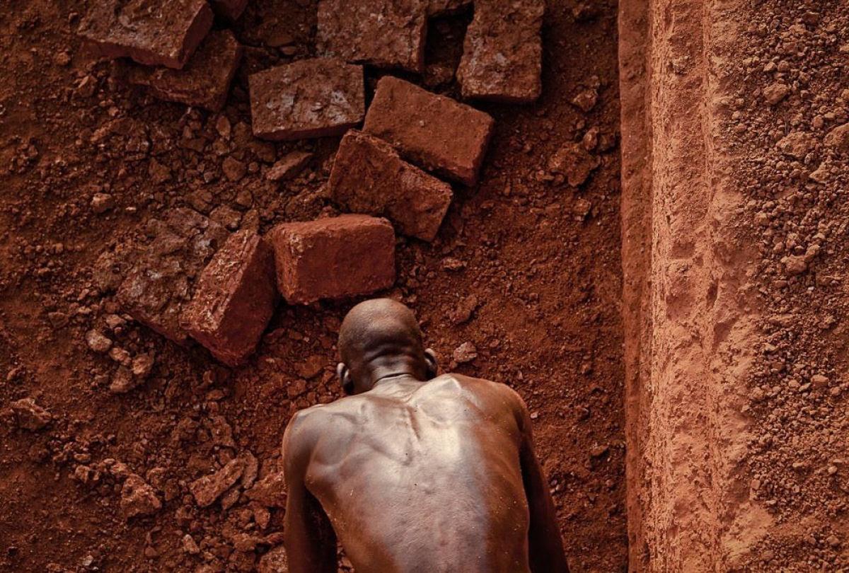 A pedreira de tijolos de Karaba em Burkina Faso 12