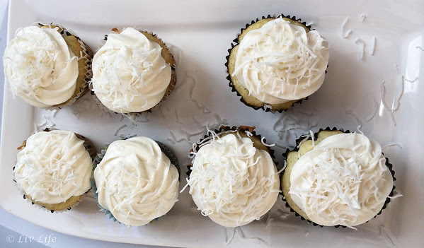 Vegan Coconut Cupcakes with Cocnut Buttercream Frostsing