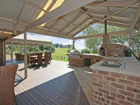 View the Outdoor-entertaining photo collection on Home Ideas